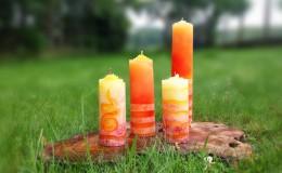 Kerzen mit verschiedenen Techniken gelb orange